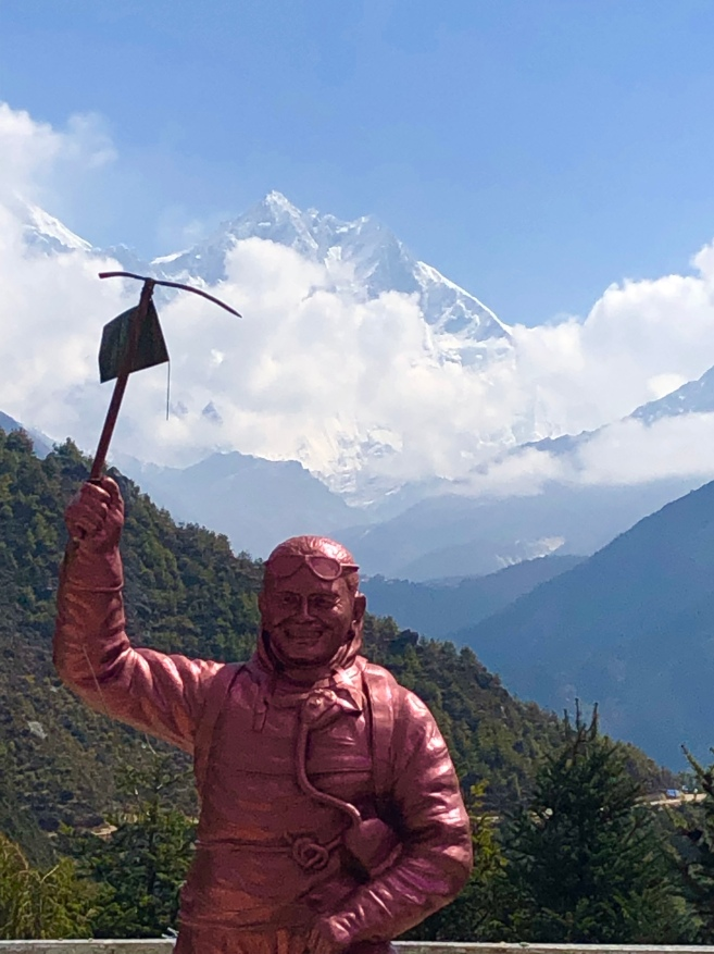 Tengay's memorial with Everest and Lhotse in the background
